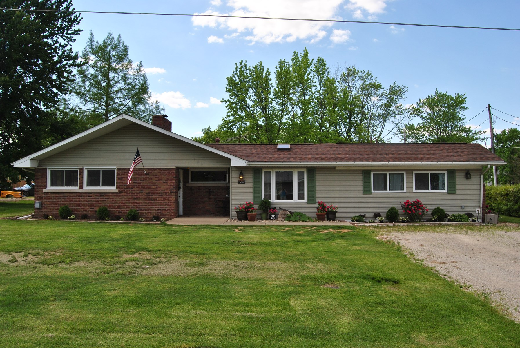 Spacious 4 Bedroom, 3 Bath Home, Marshall, IL