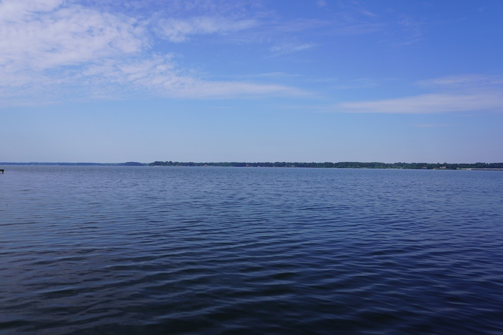 UNIQUE WATERFRONT PROPERTY FOR SALE ON LAKE PALESTINE