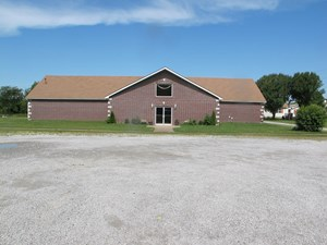 CHURCH WITH MODULAR HOME ON 8.03 +/- ACRES