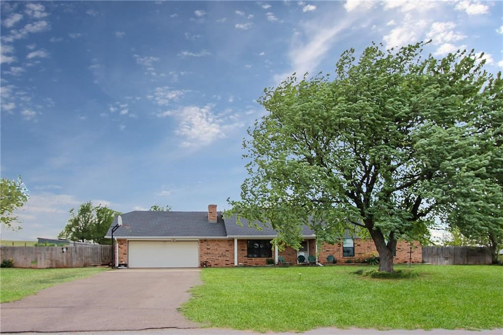 Home on an acre + in Elk City