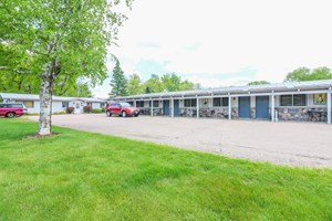 MOTEL BUSINESS FOR SALE CENTRAL WISCONSIN IN IOLA, WI