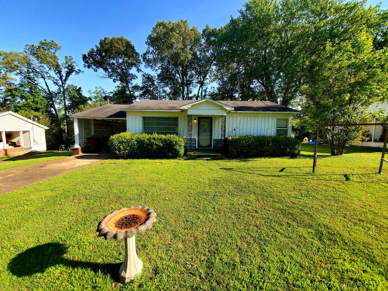 Cozy 2BR Home for Sale - Handyman Special / Investment