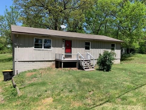 Home on Corner Lot in Doniphan, Mo