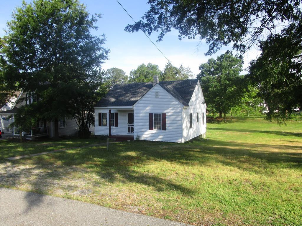 Move In Ready Home Near Kerr Lake, VA