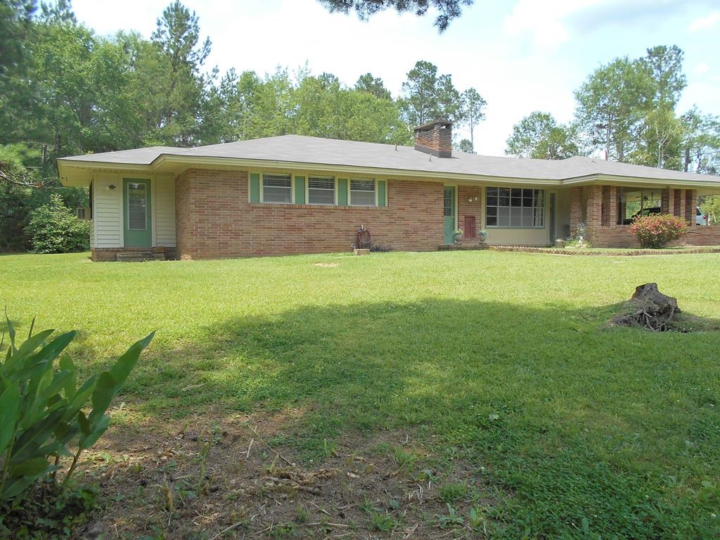 Brick Ranch Style Home on 11 Acres Pike County Mississippi