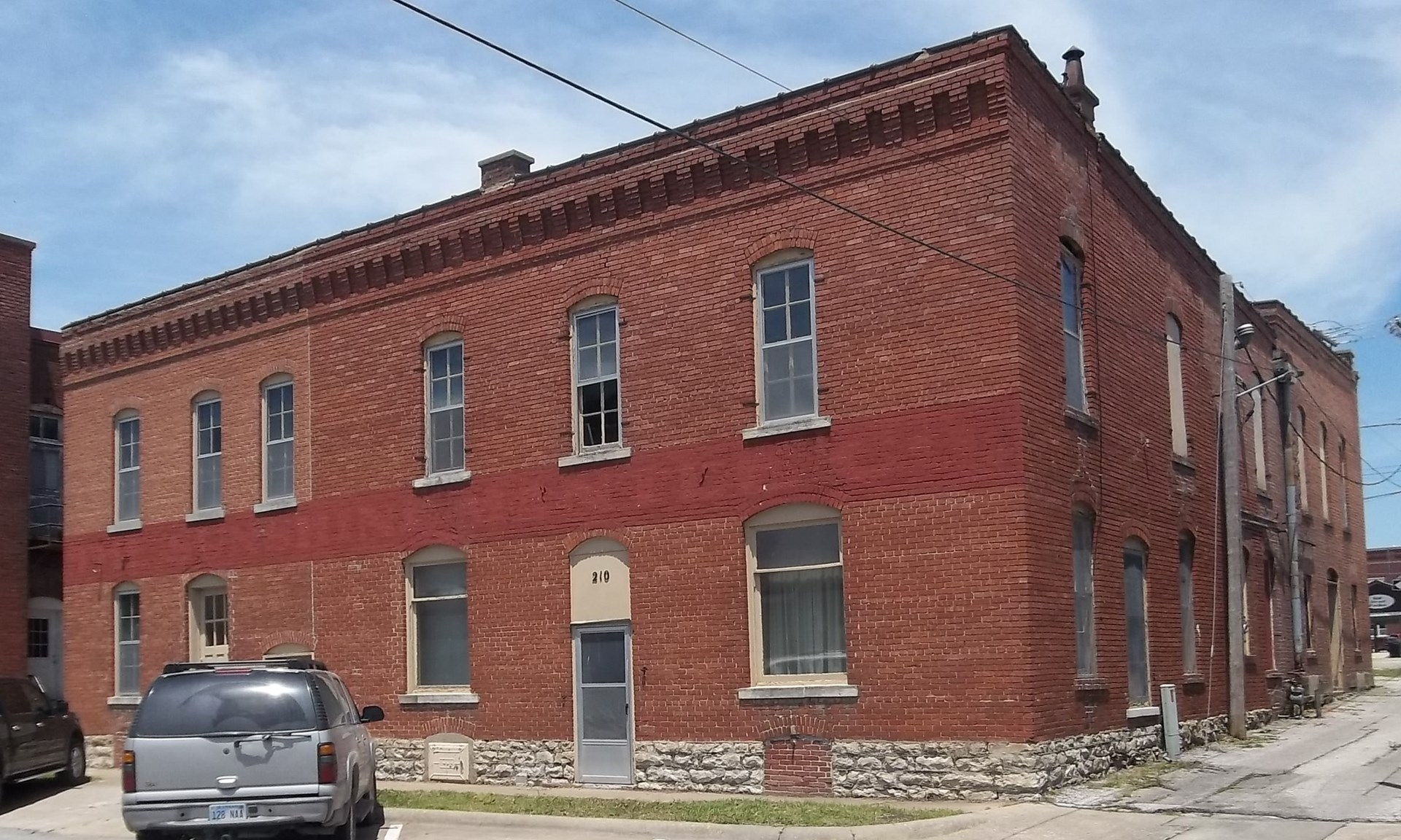 Building for Sale in Chanute, KS