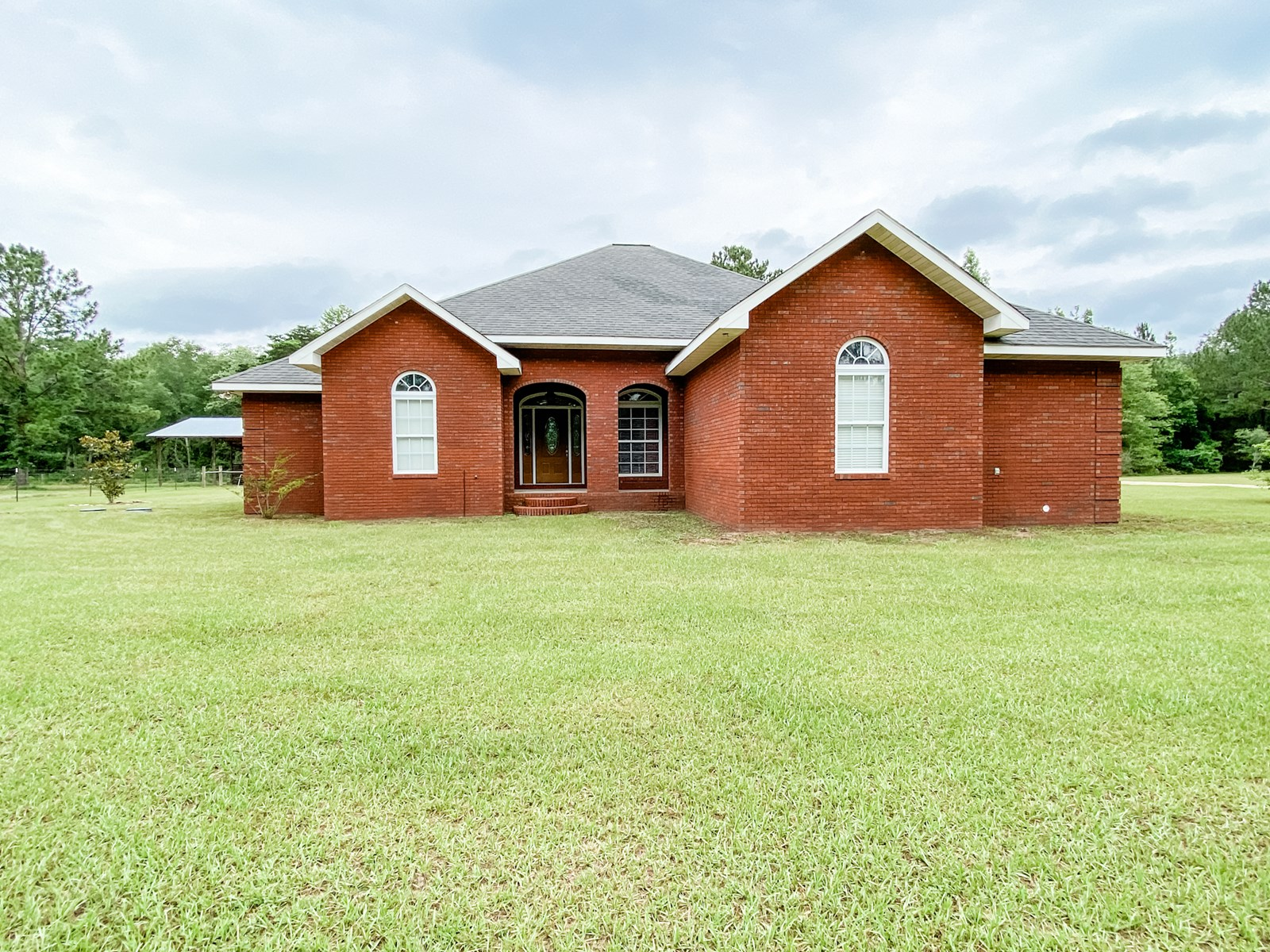 Country Home for Sale with Land & Pole Barn in South Alabama