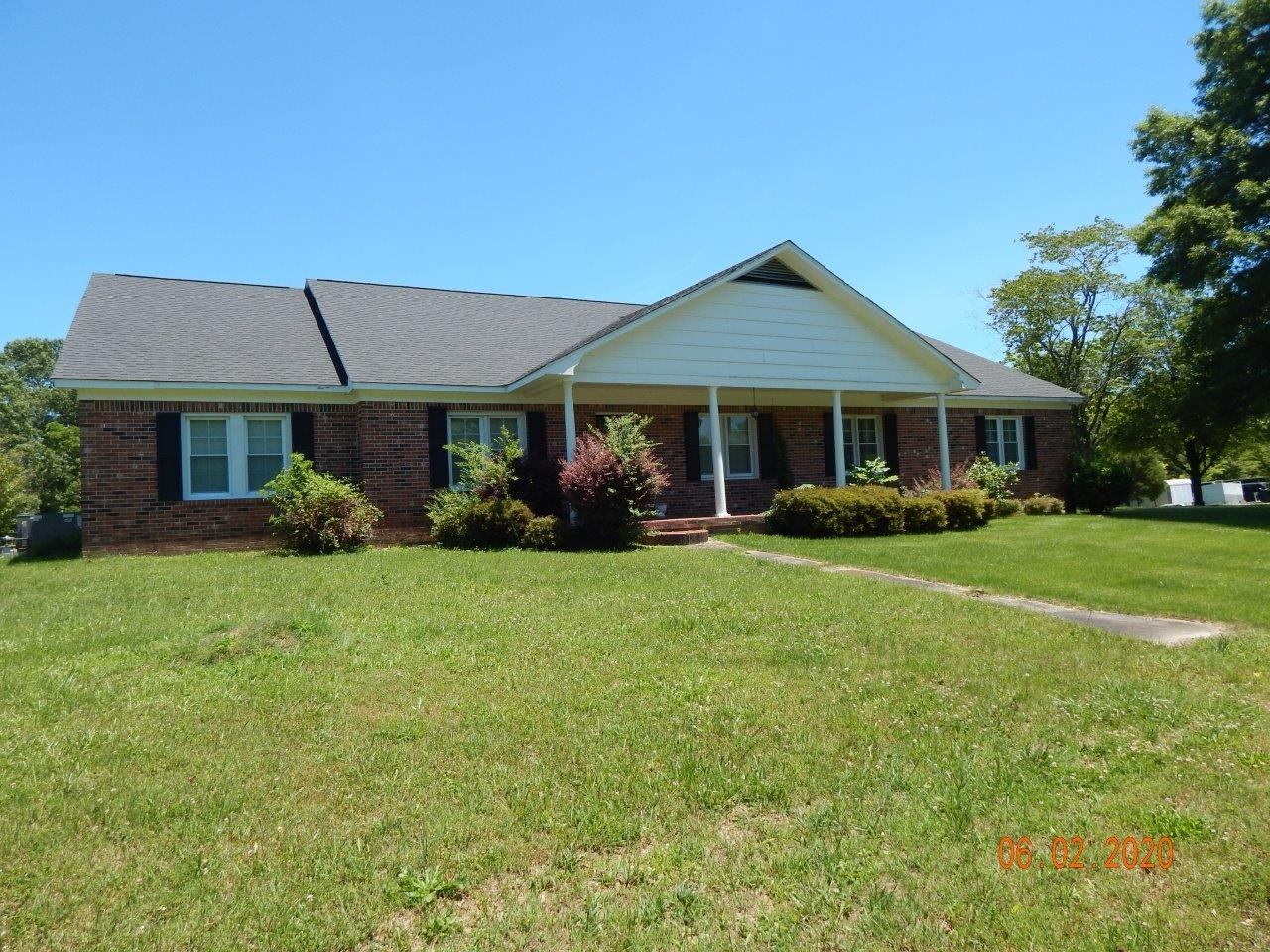 4 BEDROOM HOME FOR SALE IN TN WITH ACREAGE, PASTURE