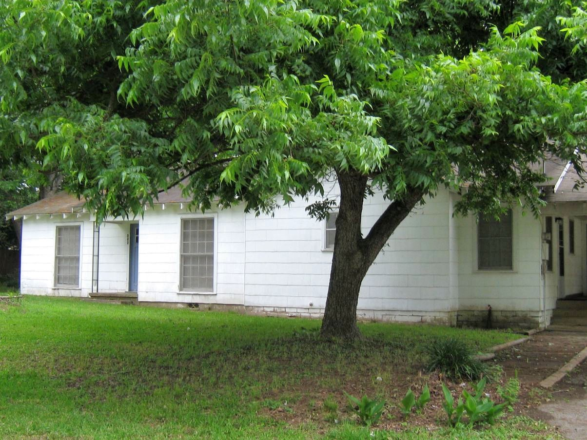 LARGE COUNTRY HOME FOR SALE IN FRANKSTON TX   EAST TX