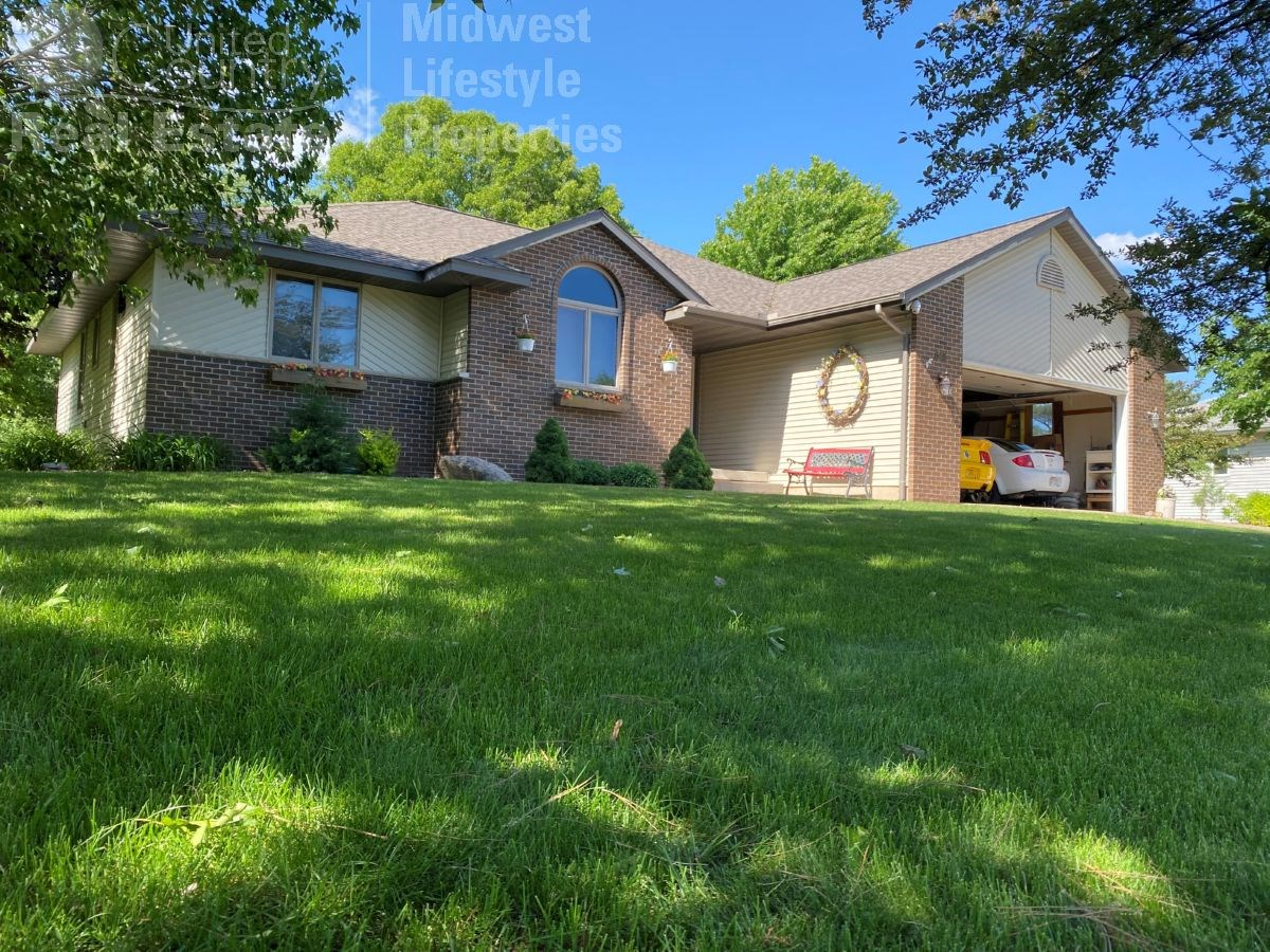 Move In Ready well maintained Northside of Portage Ranch Hom