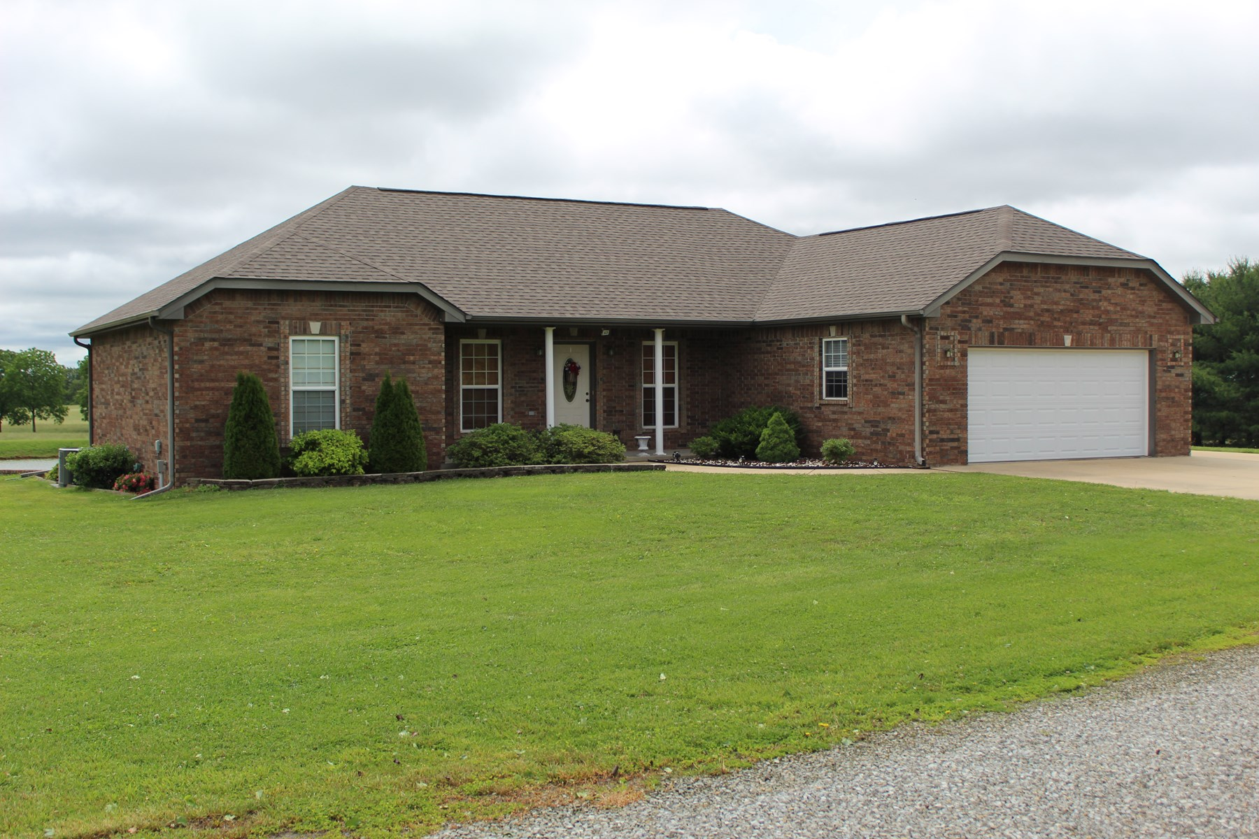 Country Home with Land for Sale in South Central Missouri
