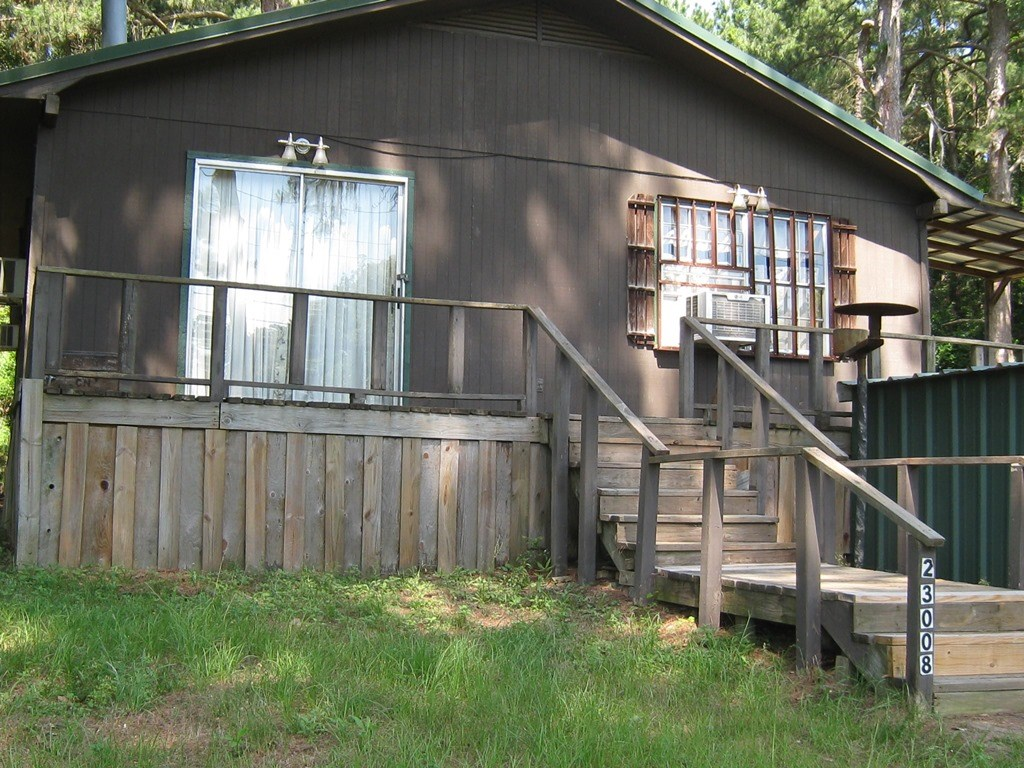 LAKE COTTAGE FOR SALE NEAR LAKE PALESTINE