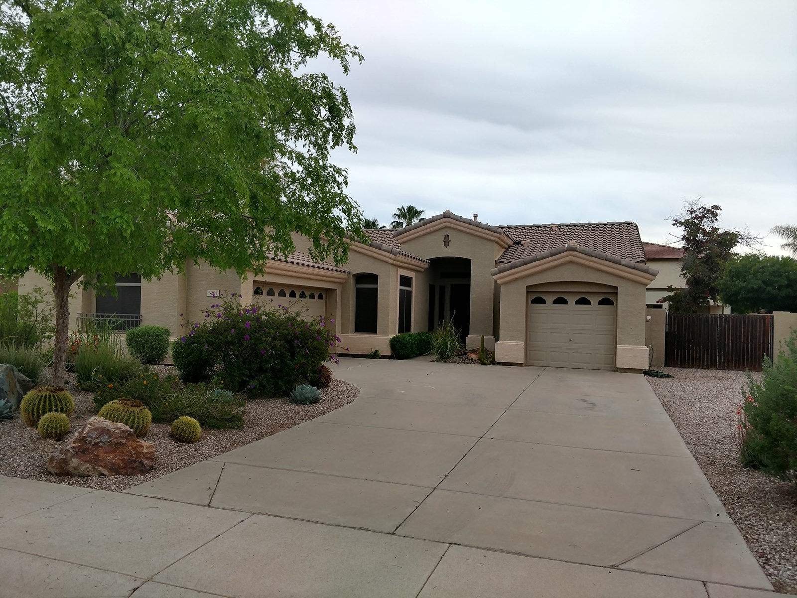 3 BEDROOM GILBERT AZ HOUSE NEAR SAN TAN MALL