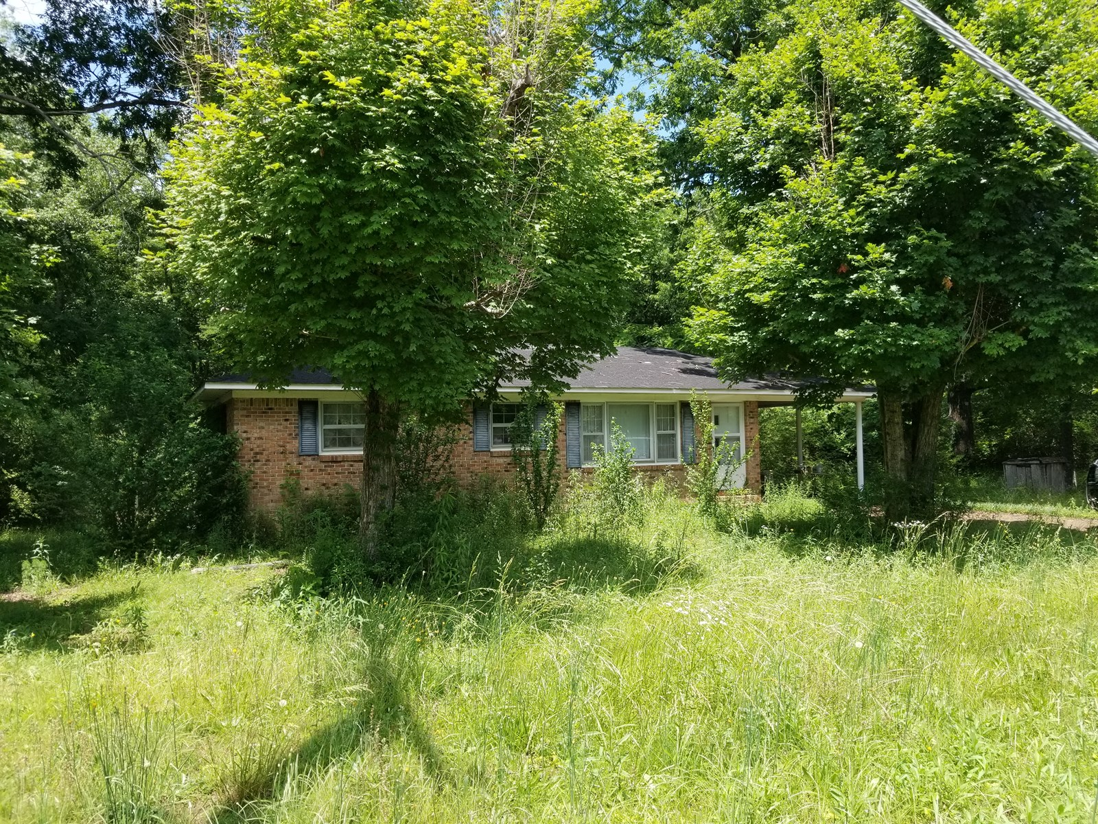 SOLD! COLLINWOOD TN BRICK HOME LAND 3 BEDROOM 1 BATH