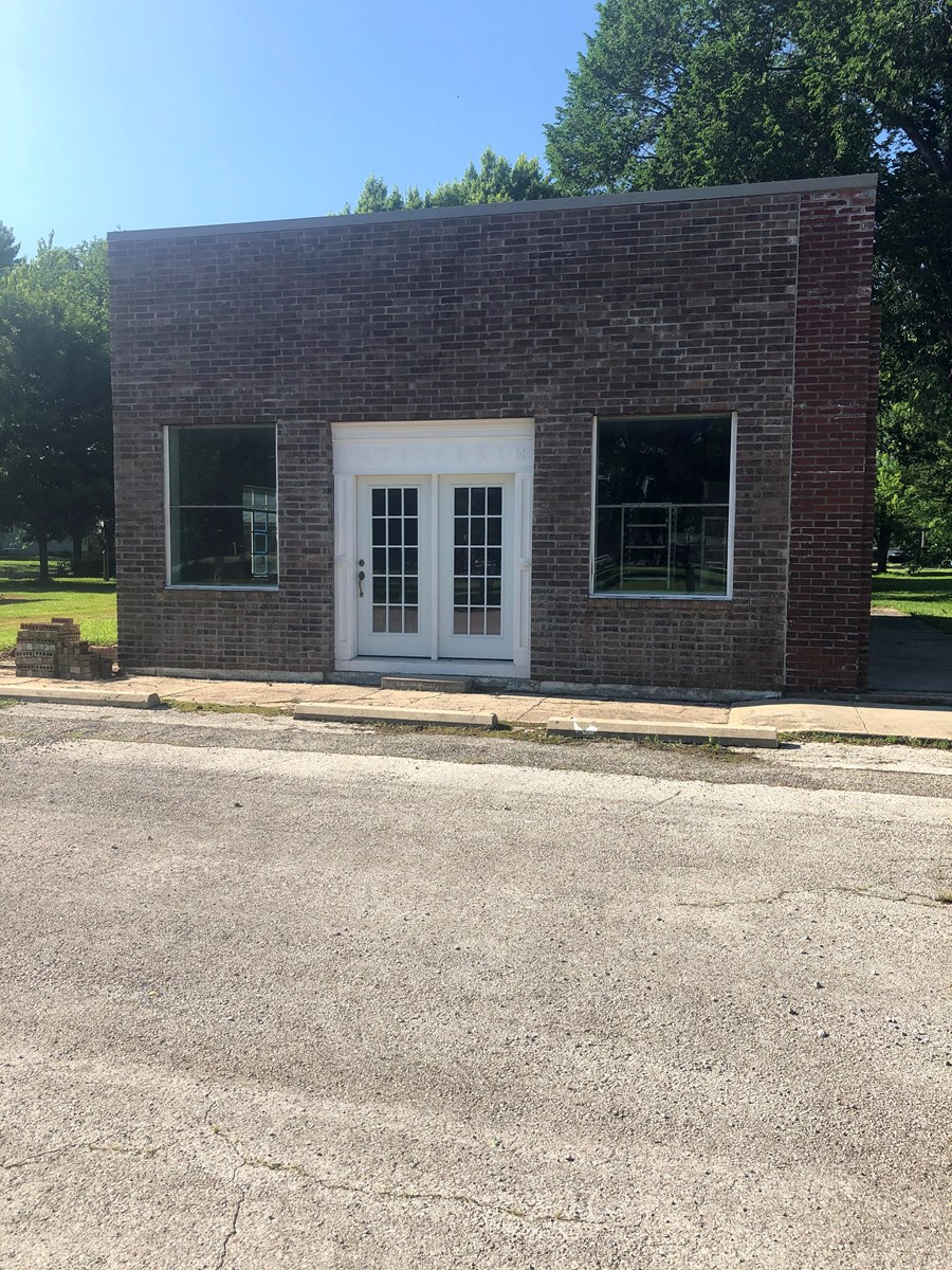 Commercial Property Auction Uniontown Kansas