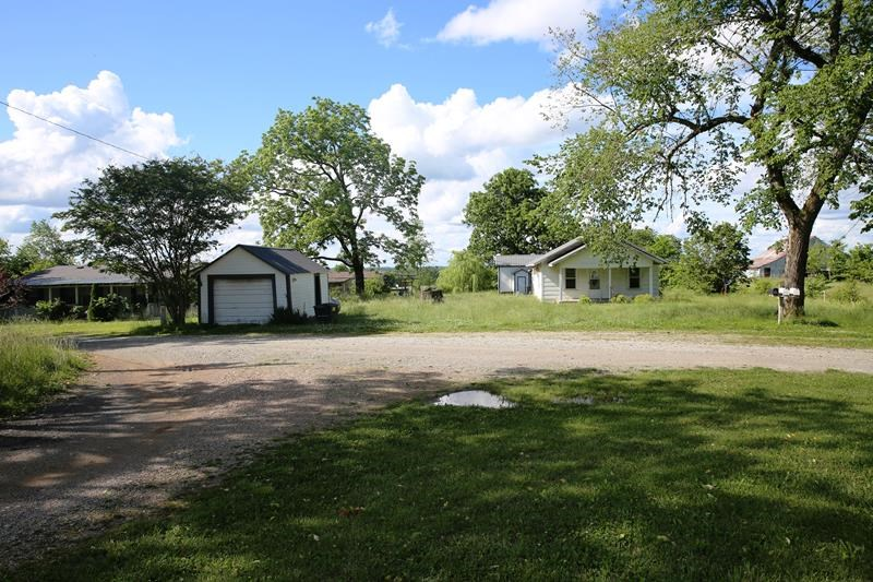 2 Homes for Sale in West Plains, MO. Howell Country, 5 Acres