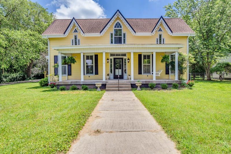 Elegant historic home for sale in Franklin Ky.