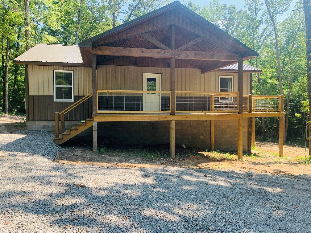 COTTAGE HOME WITH ACREAGE FOR SALE IN OZARK MOUNTAINS OF AR