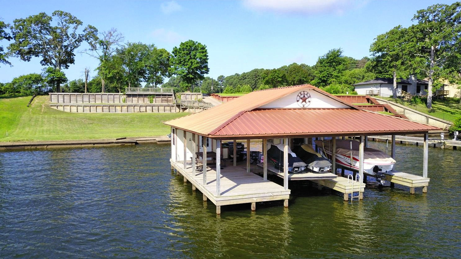 WATERFRONT LOT WITH BOATHOUSE FOR SALE LAKE PALESTINE TX