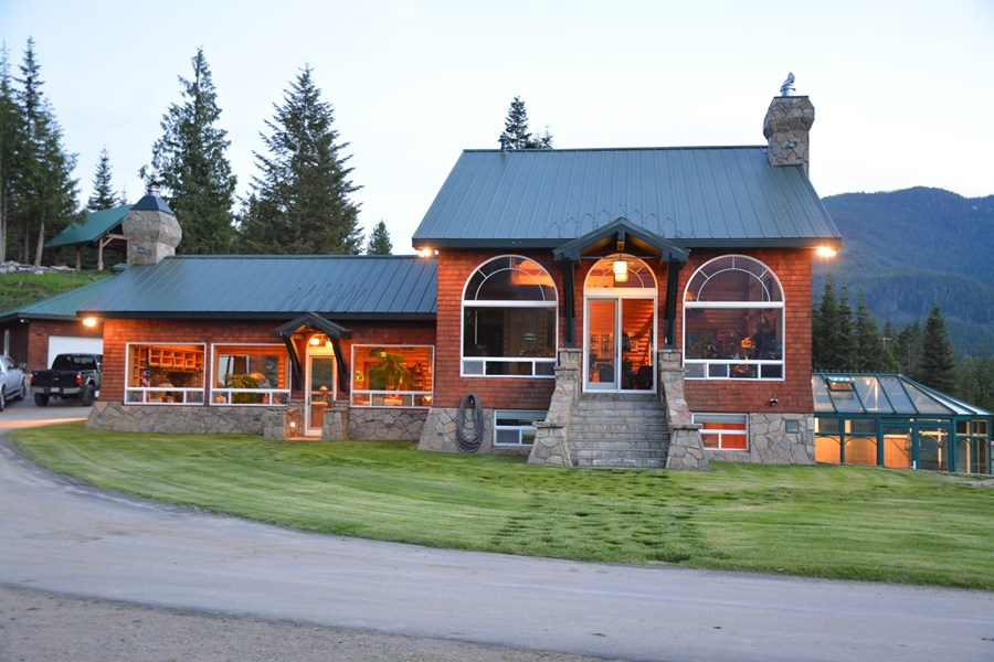 Luxury Cabin in Montana Whitney Johnson