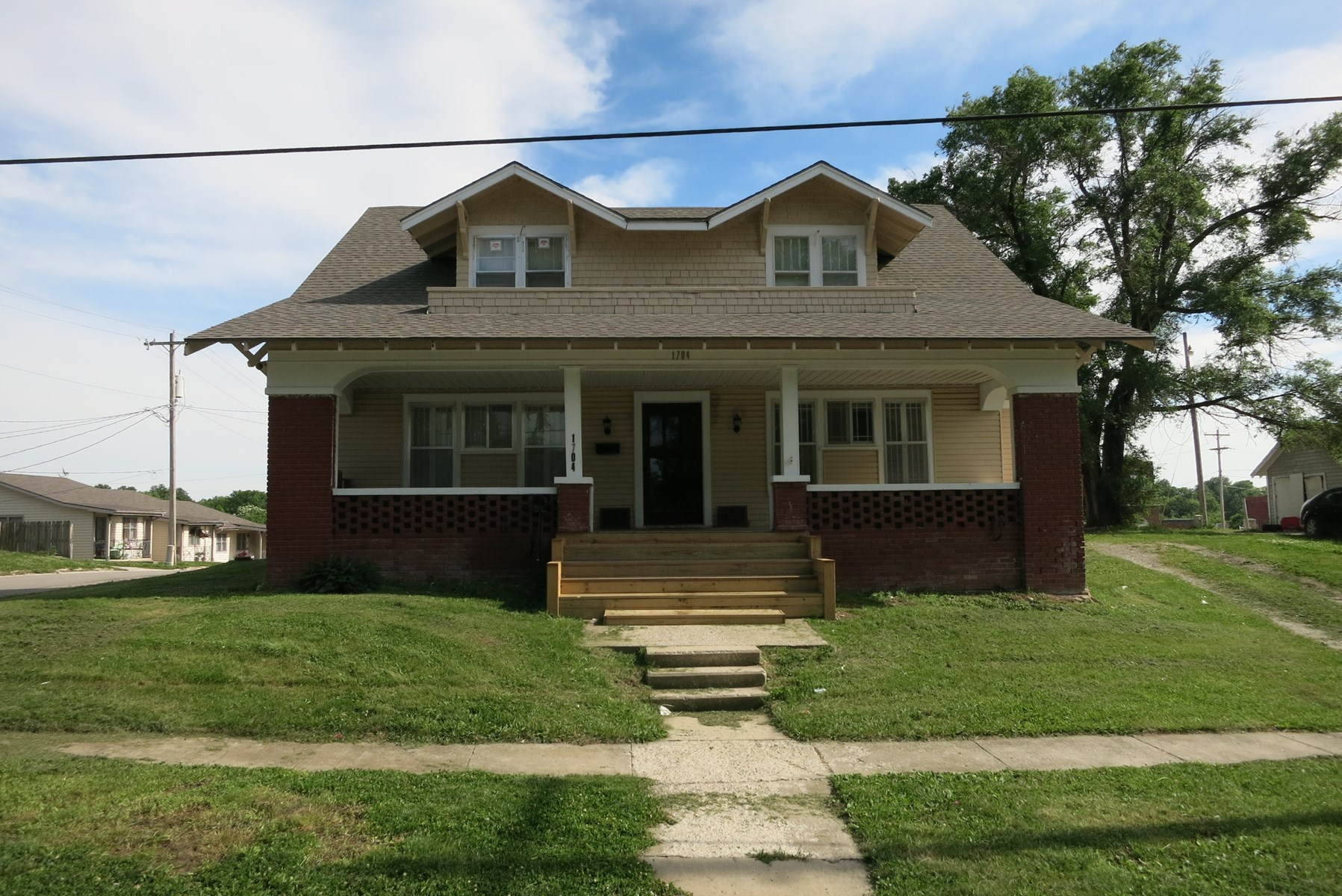 For Sale Two Story 4 BR Home in Bethany Missouri
