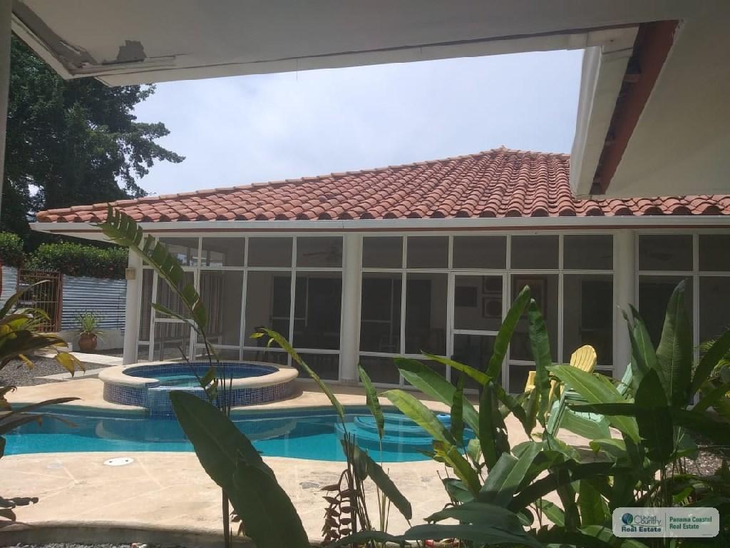 HOUSE FOR SALE IN CORONADO PANAMA