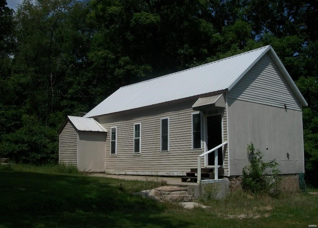 Old School House-Great starter Home in the Country