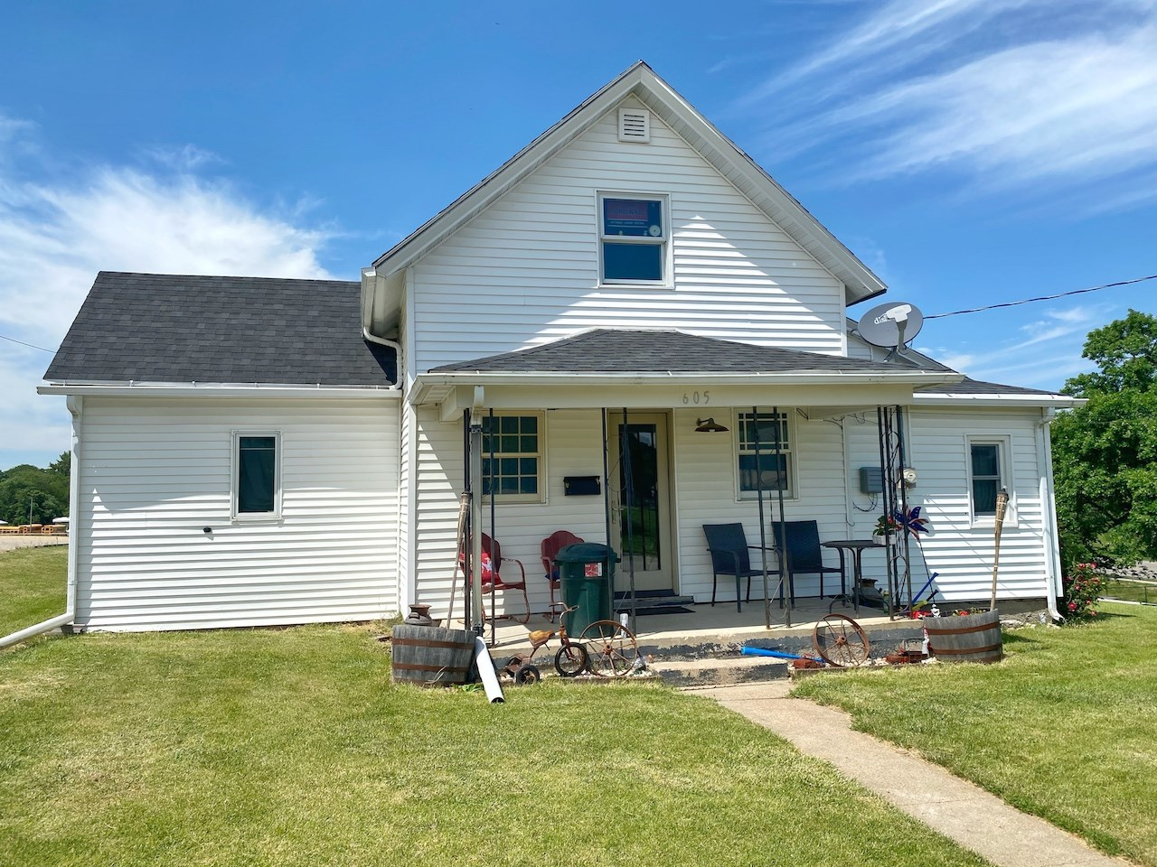 Home For Sale in Bedford Iowa Potential Investment Property