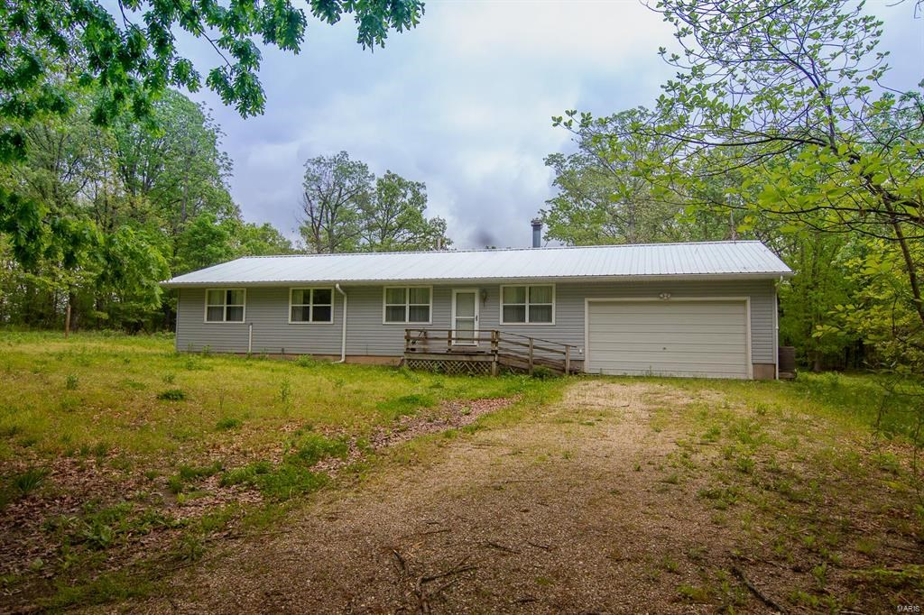 Country Home with 23 acres outside Vienna, MO