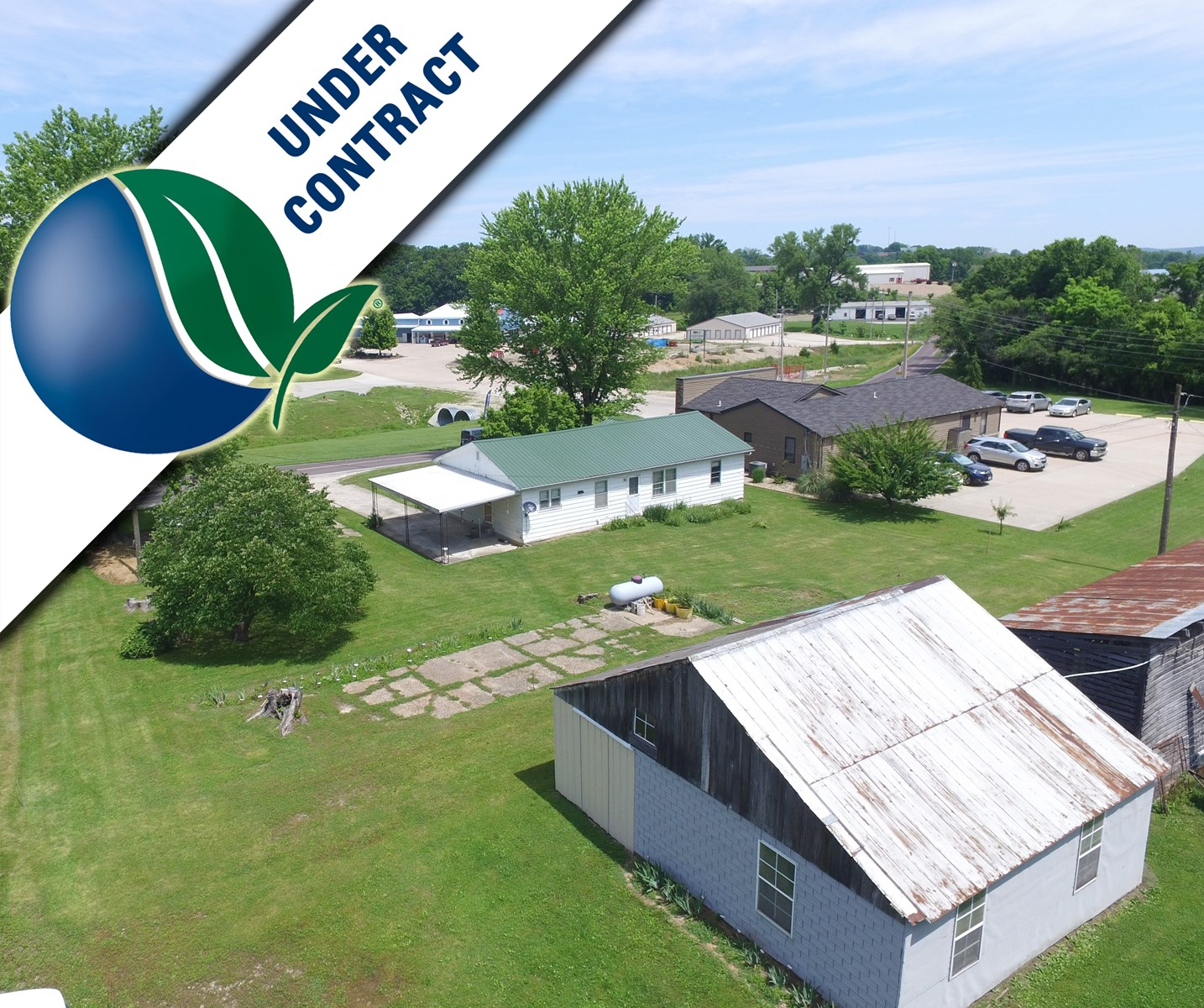 Perfect Starter Home on 2.25 Acres in Hermann for sale!
