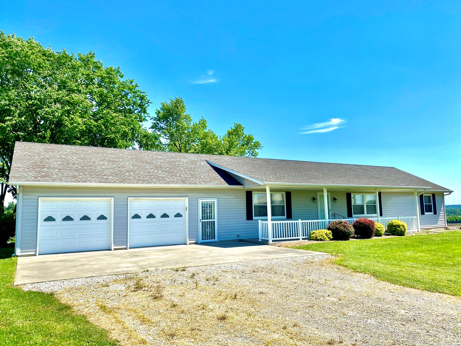 Country Home & Buildings on Small Acreage in Mercer County