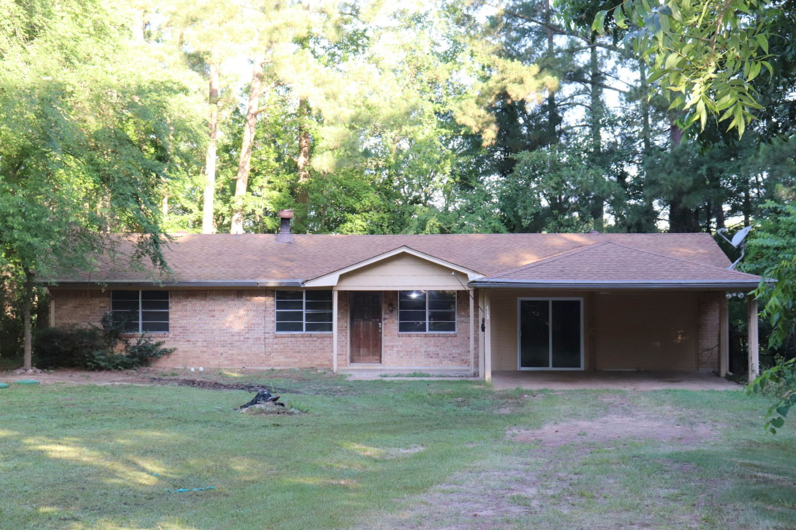 LAKEFRONT 3/2 IN QUITMAN, WOOD COUNTY TEXAS NEEDS TLC