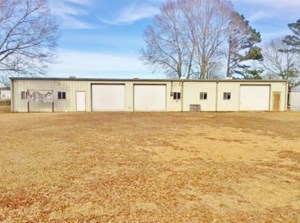 COMMERCIAL BUILDING AND MOBILE HOME FOR SALE SW MS