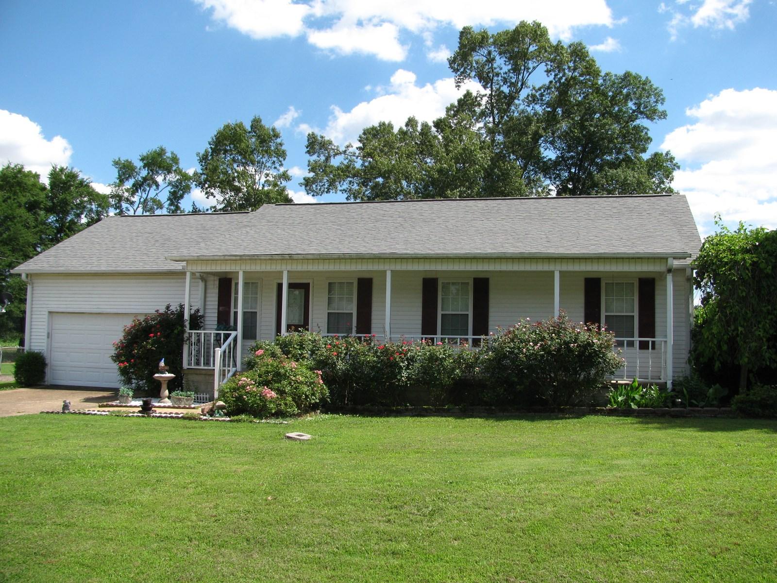 3 BEDROOM HOME IN ADAMSVILLE, TN FOR SALE, DOUBLE GARAGE