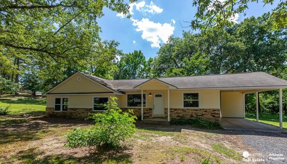 Totally remodeled 4BR/2 Bath home in Mena on 2.25 acres