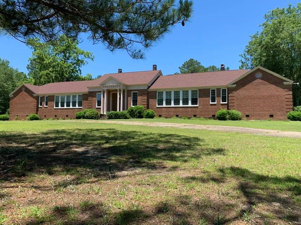 Country Estate For Sale in Cottonton, Al