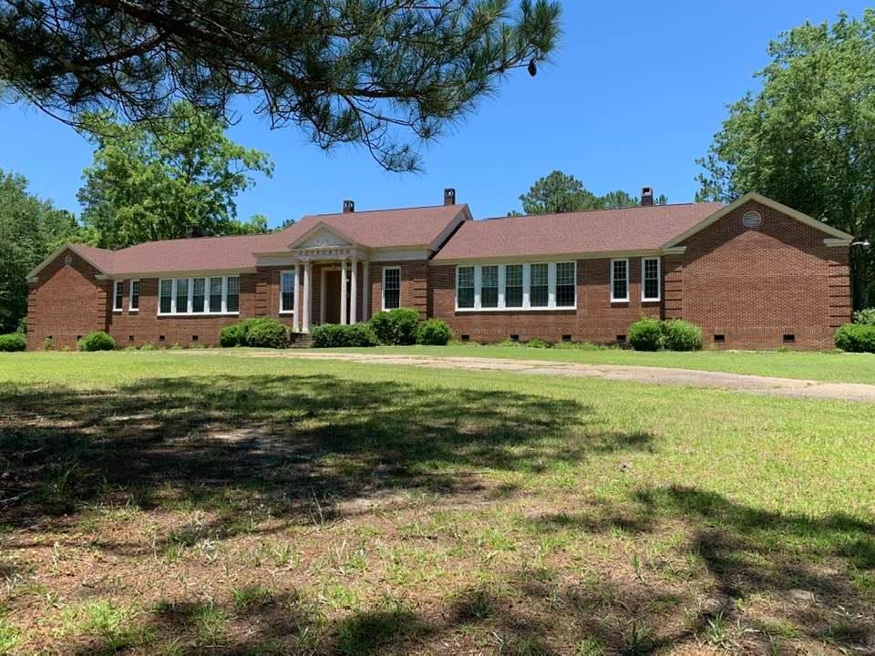 Country Estate For Sale in Cottonton, Al