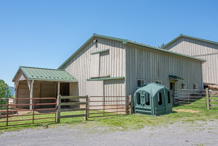 Horse barn with Hay storage