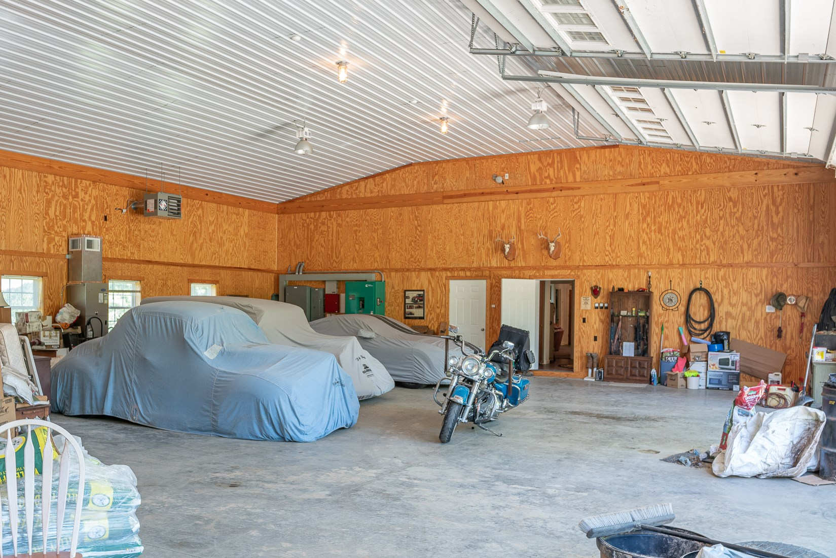 3-Bay, 10-Car climate Controlled Garage