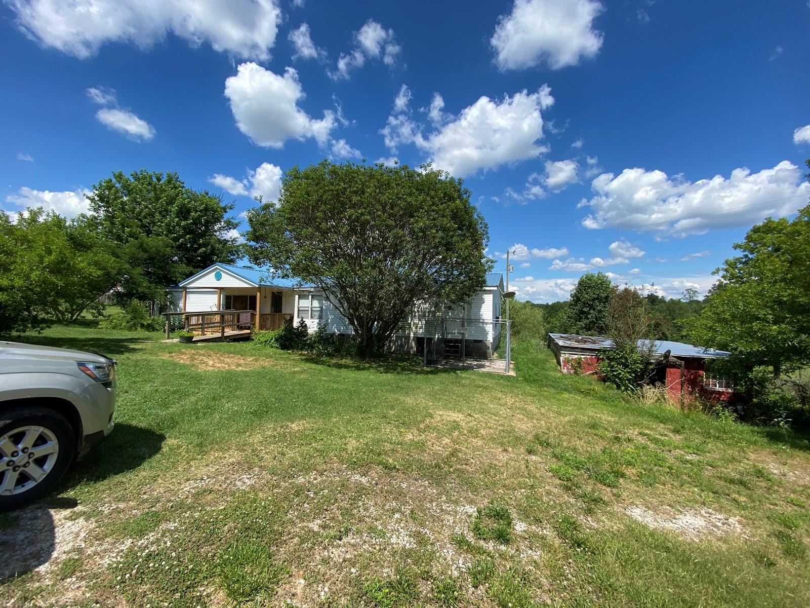 5.90 Acres, 4 Bedrooms, 3 Baths Barren county KY