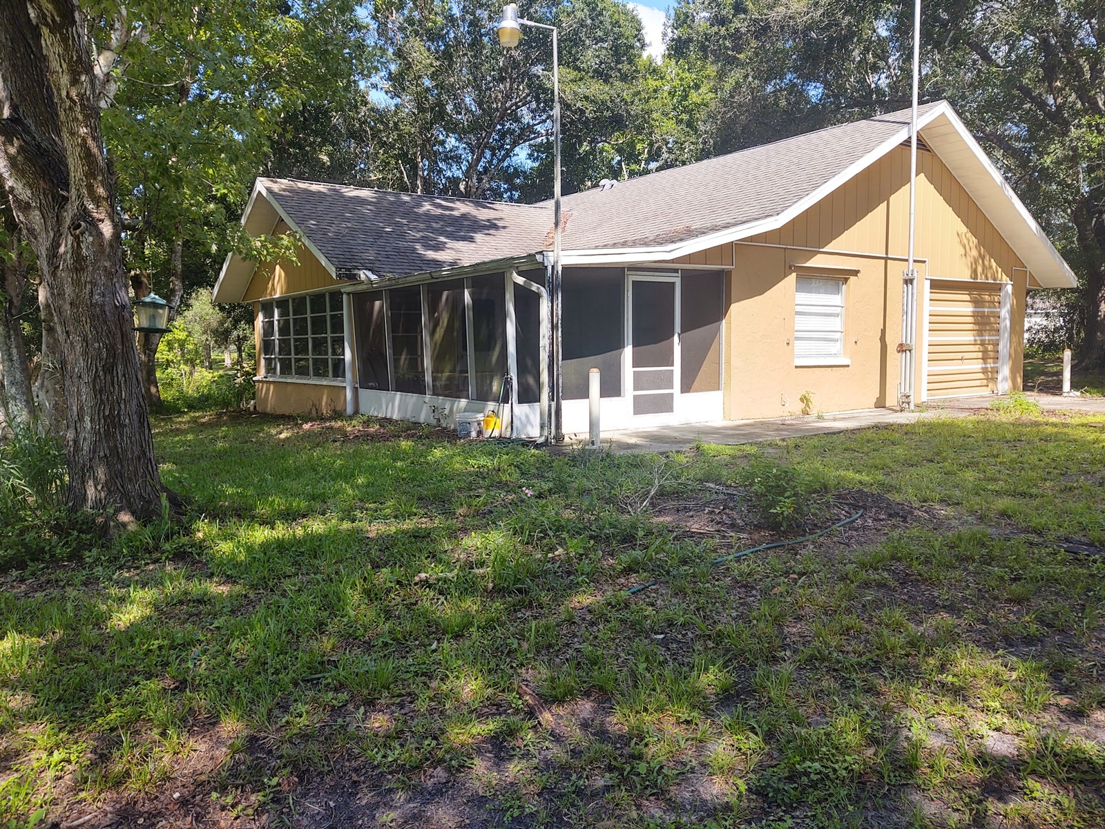 Home in the Country with Creek on 1 acre of land!