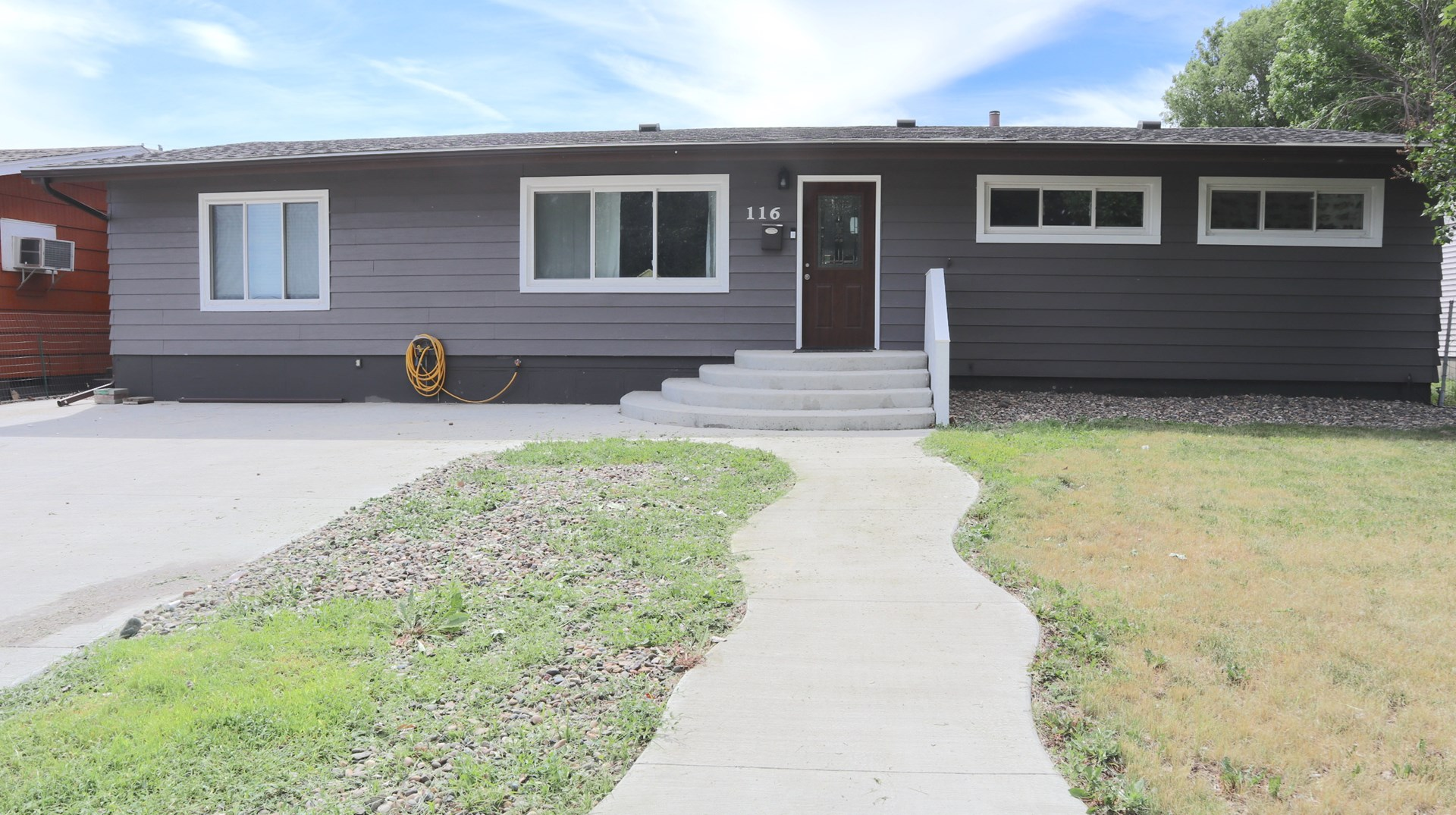 Spacious Remodeled 5 bd/2ba Home w Attached Double Garage