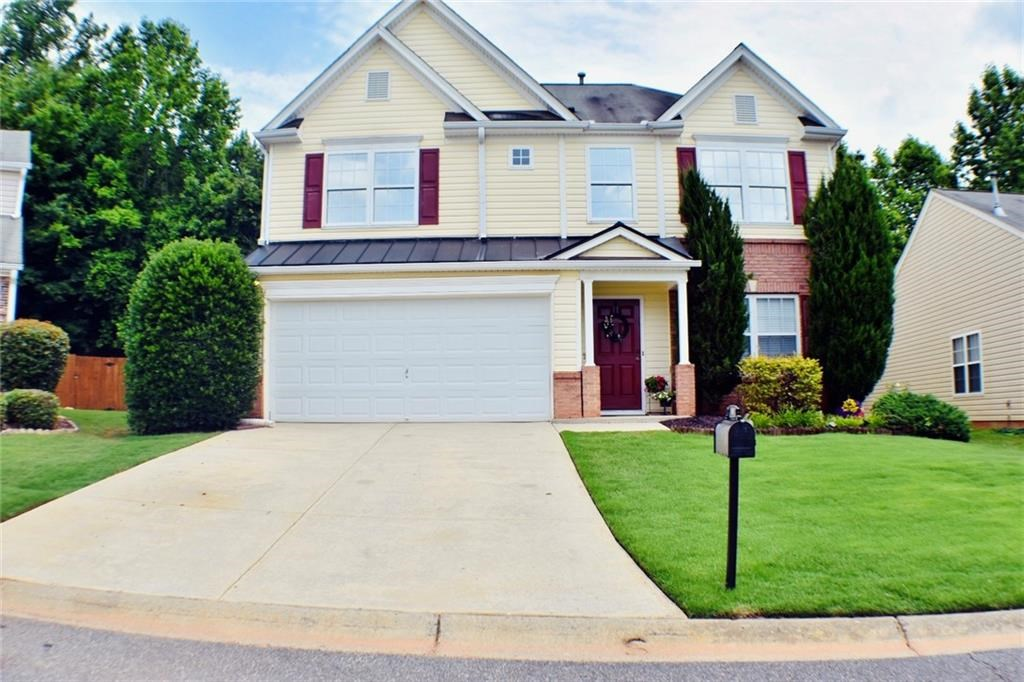 Home in Town for Sale in Woodstock, GA