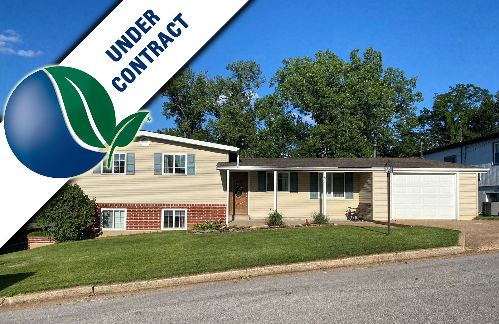 Spacious updated family home For Sale in Hermann, MO!