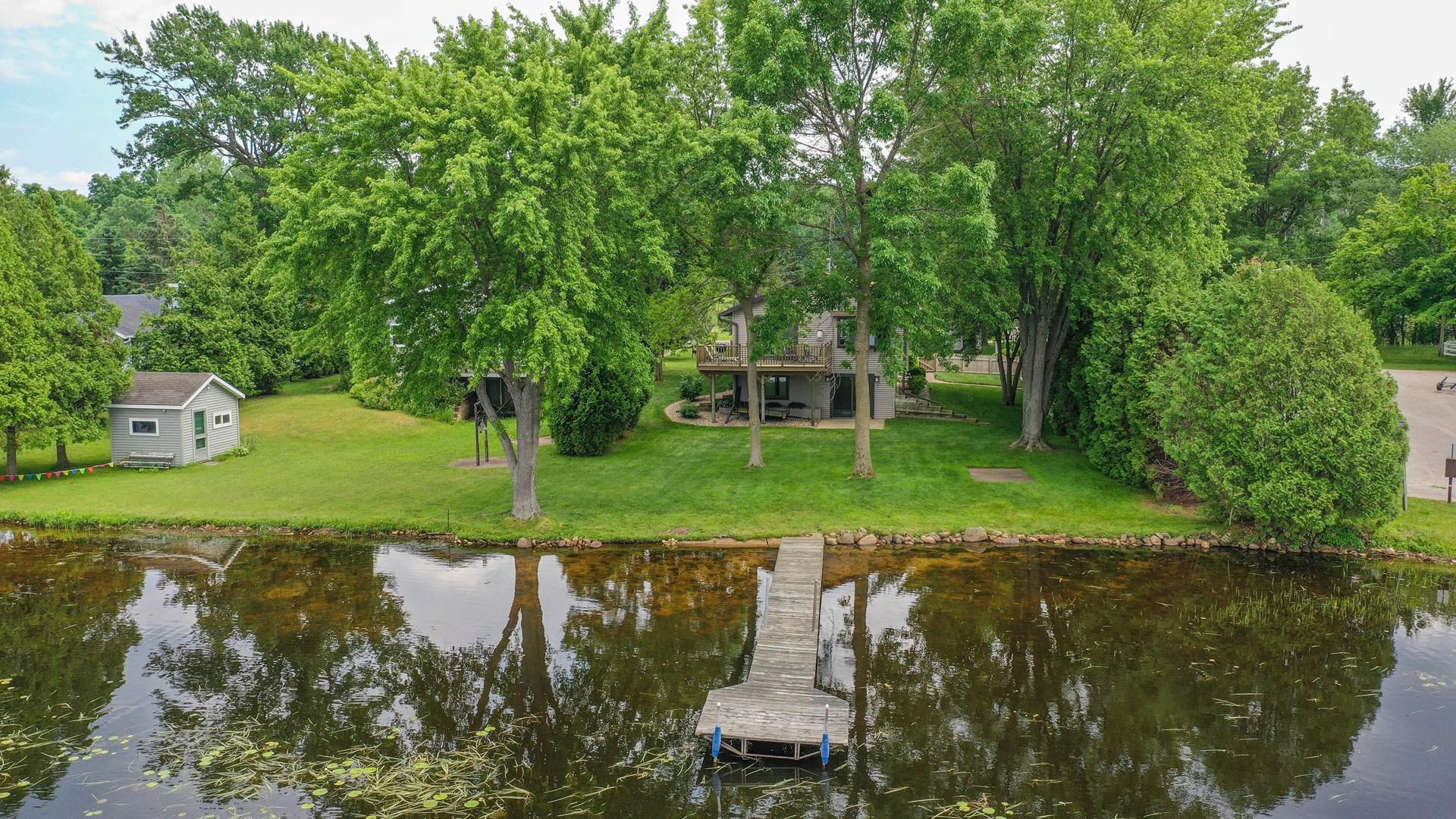 Lakefront Home for sale Weyauwega, WI on White Lake