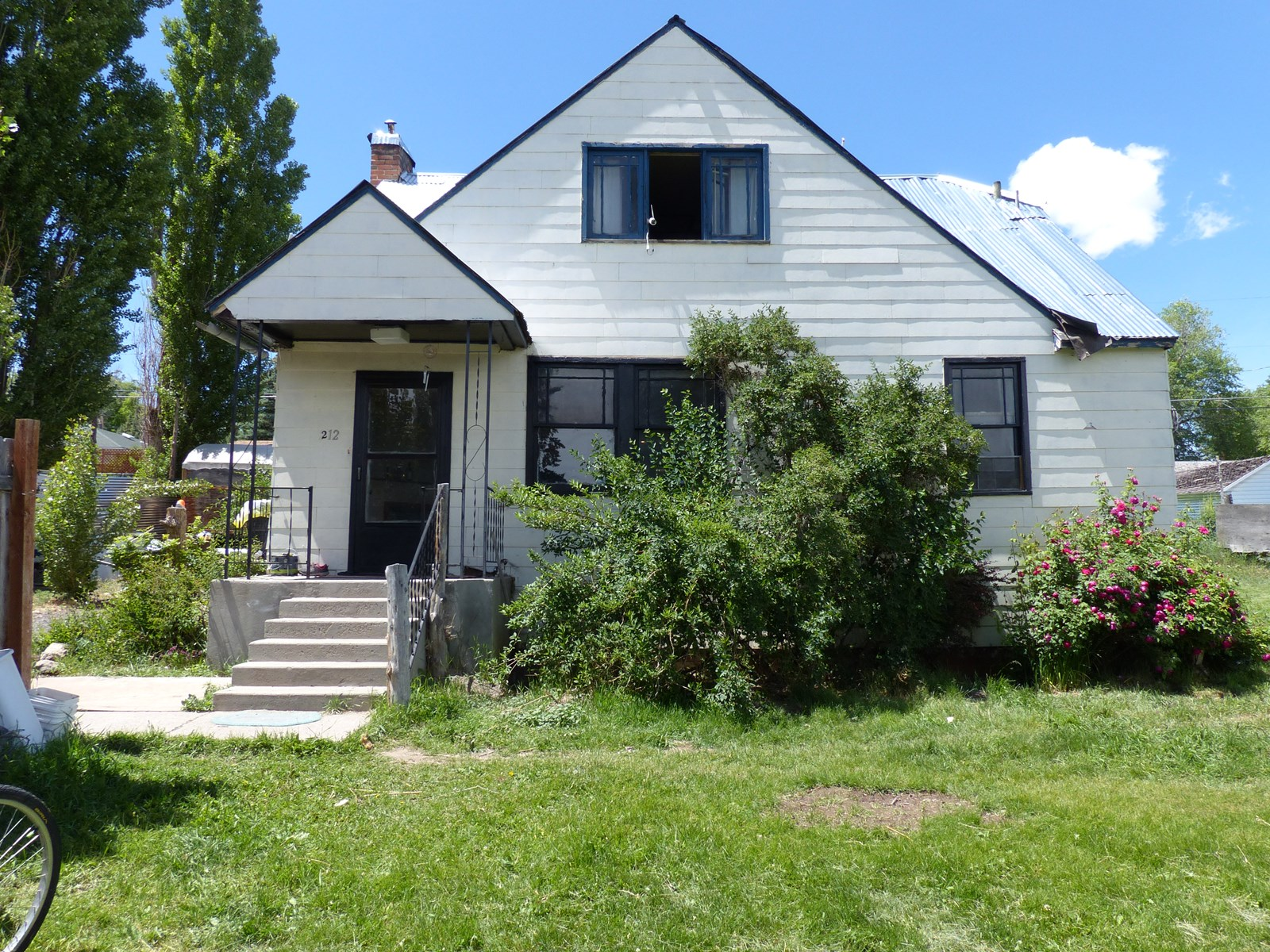 2 STORY HOME IN HINES OR FOR SALE