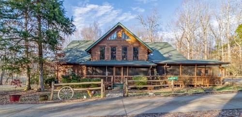 Executive log home hobby farm horses acreage for sale TN