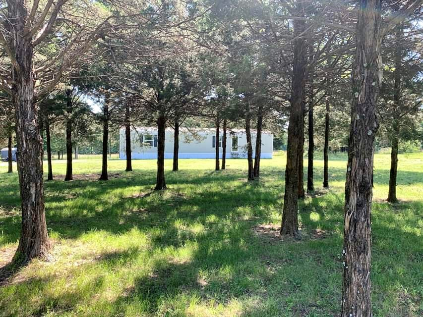 Missouri Ozarks Country Home For Sale on Small Acreage