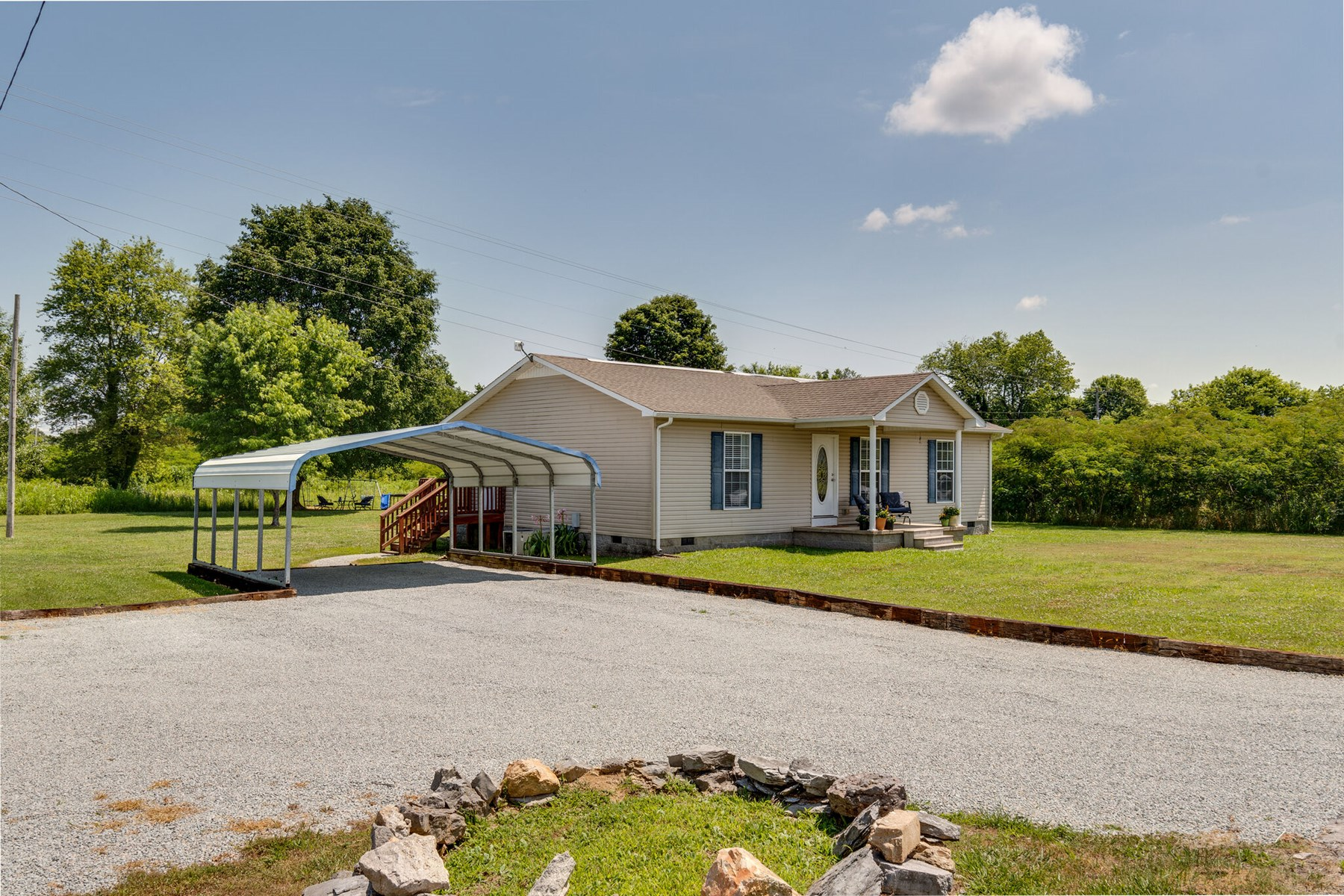 Country Ranch Home for Sale in Lawrenceburg, Tennessee