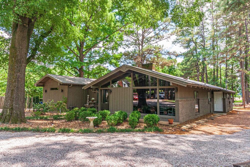 Beautiful Upadated Home in Selmer, TN for Sale